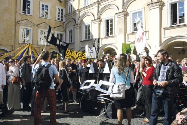 Studenci. Rekrutacja na studia w Polsce