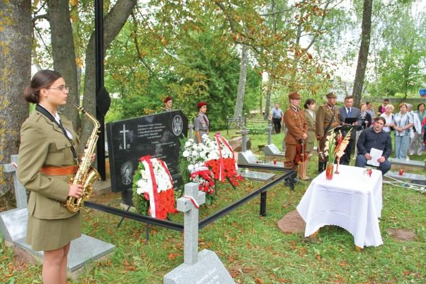 Na wojskowym cmentarzu oddano hołd polskiemu żołnierzowi – legioniście