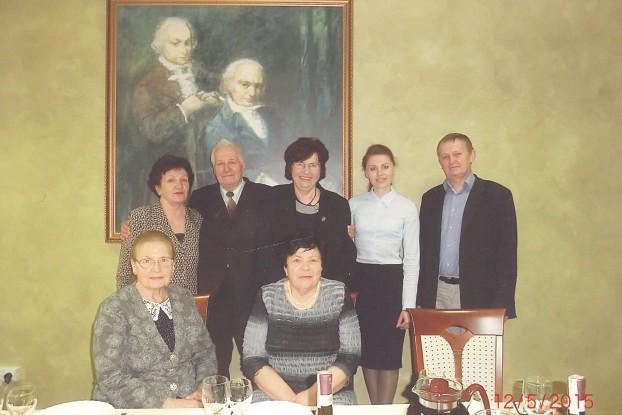 Rodacy przy portrecie patronów uniwersytetu