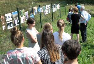 Goście i uczestnicy pleneru mieli o czym porozmawiać (fot. Marian Paluszkiewicz)